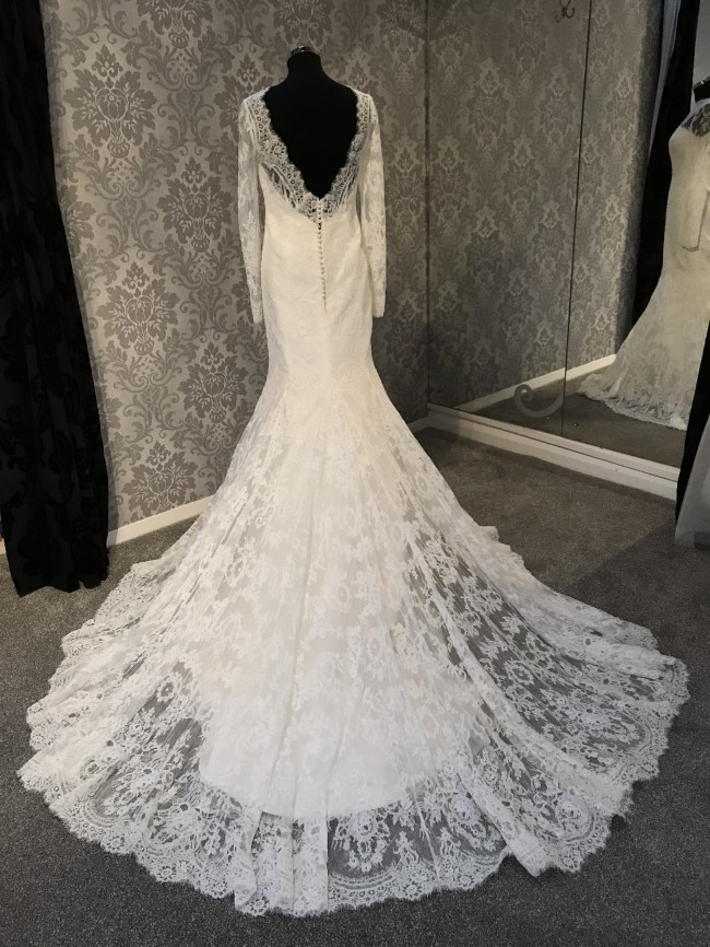 Open Back Long Sleeve Lace Bridal Gown